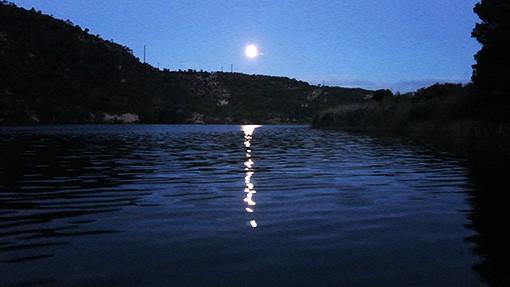 Mond beim Angeln